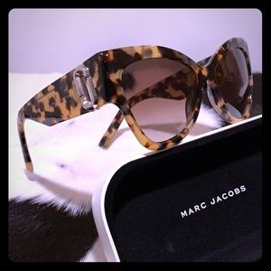 MARC JACOBS Cat Eye Glitter Havana Sunglasses